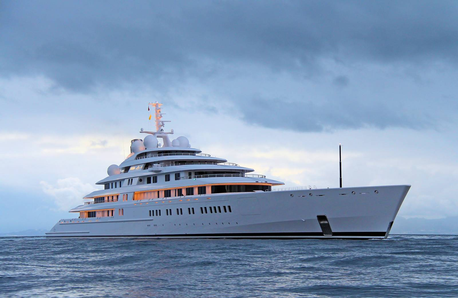 azzam the largest yacht in the world