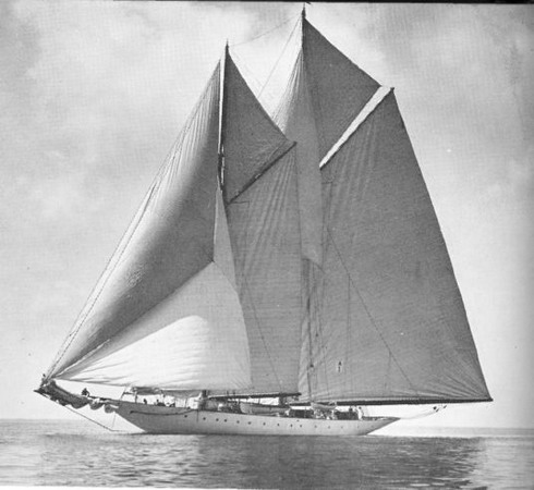 The electric hybrid yacht Elfay