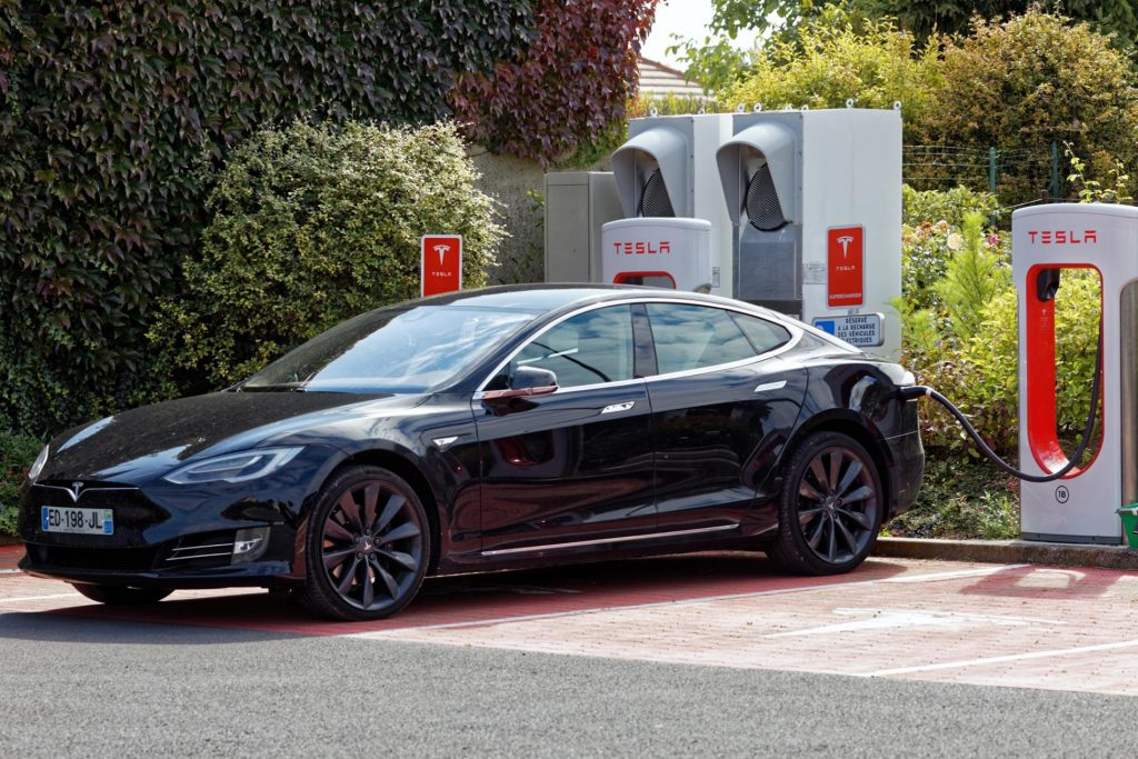 Close by the motorway it is one of the official Tesla supercharging points in Champagne