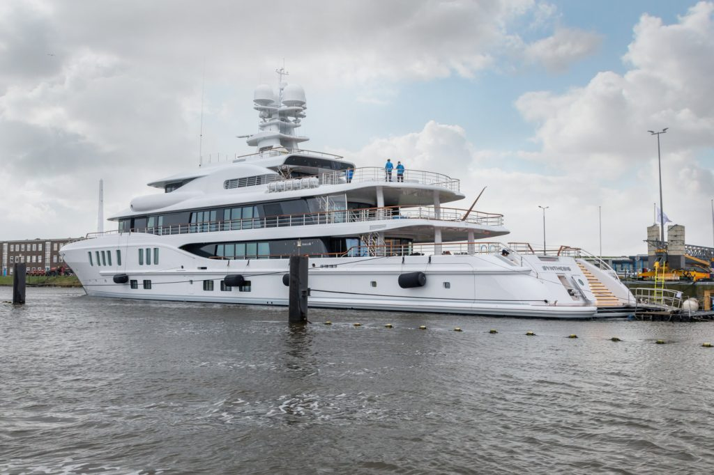 The experienced Owner of Synthesis is a repeat Amels client whose last yacht was the 55 metre Limited Editions 180 Kamalaya.