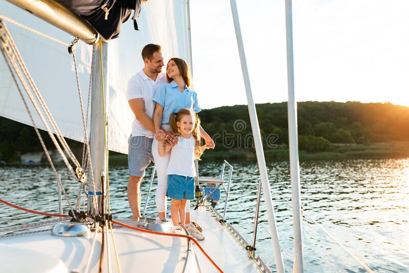 """Sail2Help programme provides """"Sailing Escape Days"""" for those families blighted by suicide"""